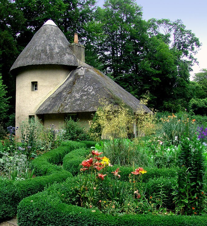 Thatched Tea Cottage at Mellerstain House and Gardens.jpg